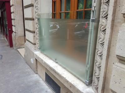 Garde corps parisien vitrage granité