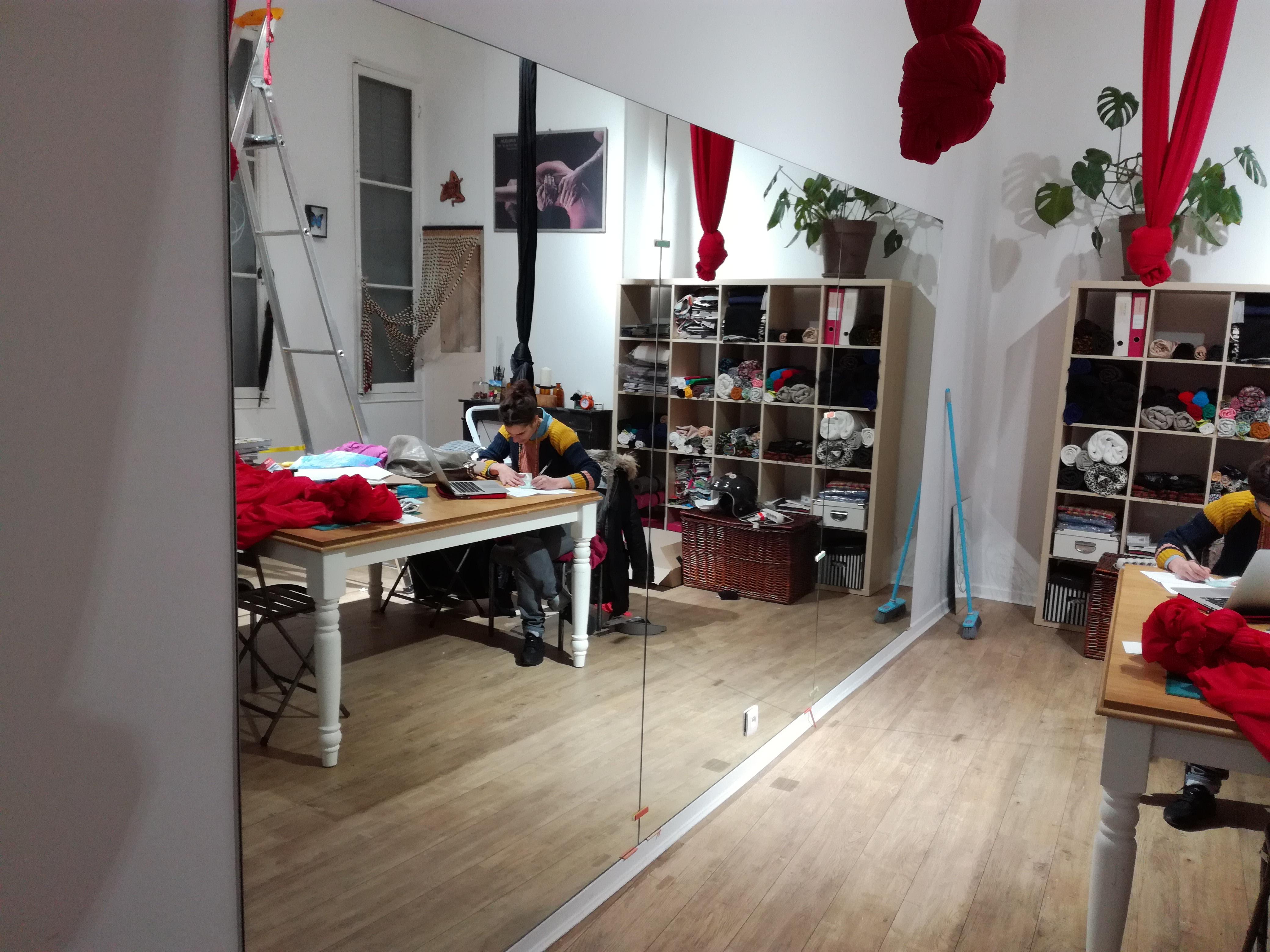 Mur de miroirs pour salle de danse